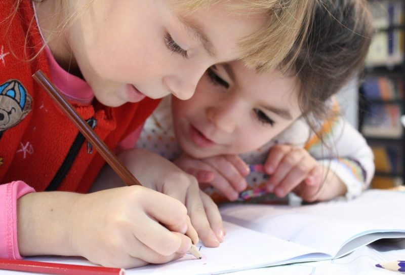 kids-girl-pencil-drawing-159823 (1)-min
